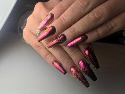 Chrome-Mantic Nails By Joëlla Alfons
