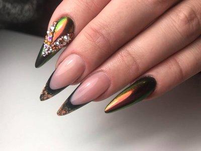 GreenGold Nails By Joëlla Alfons